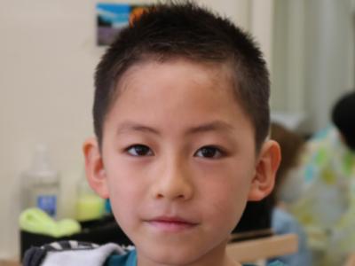 小学1年生サッカー選手風ソフトモヒカンの正面からの画像
