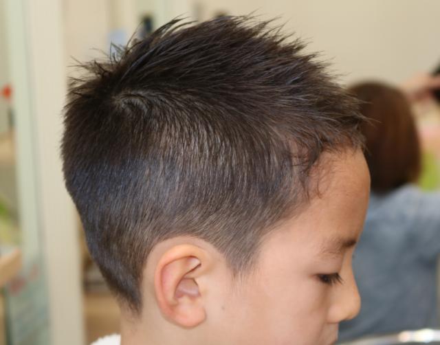 小学1年生サッカー選手風ソフトモヒカンの右横からの画像