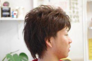 ツーブロック男性のスタイル写真