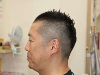 40代男性の1ミリ刈り上げソフトモヒカンスタイル左サイドのの画像