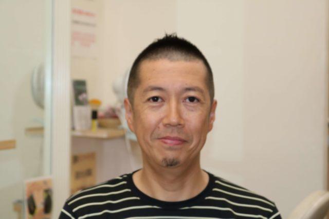 40代男性の1ミリ刈り上げソフトモヒカンスタイルの画像