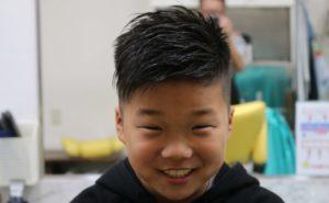 小学4年生の1ミリ刈り上げアシンメトリーの画像