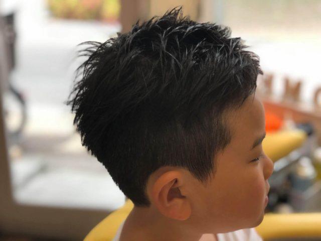 小学生のヘアスタイル写真横から見たところ