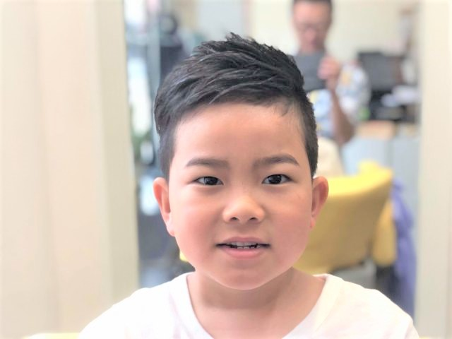 小学生男の子の画像