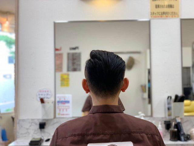 20代ツーブロックの男性の画像