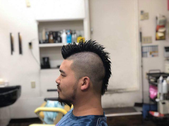 20代男性のモヒカンの画像