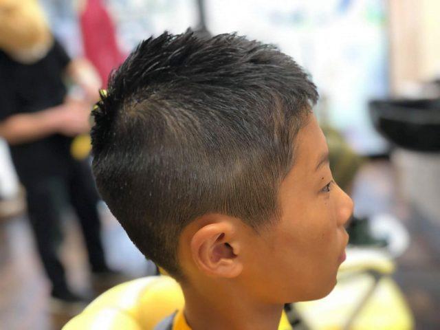 中学生の男の子の画像
