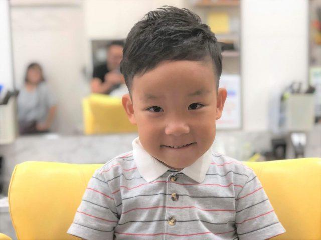 6歳ツーブロックの男の子の画像