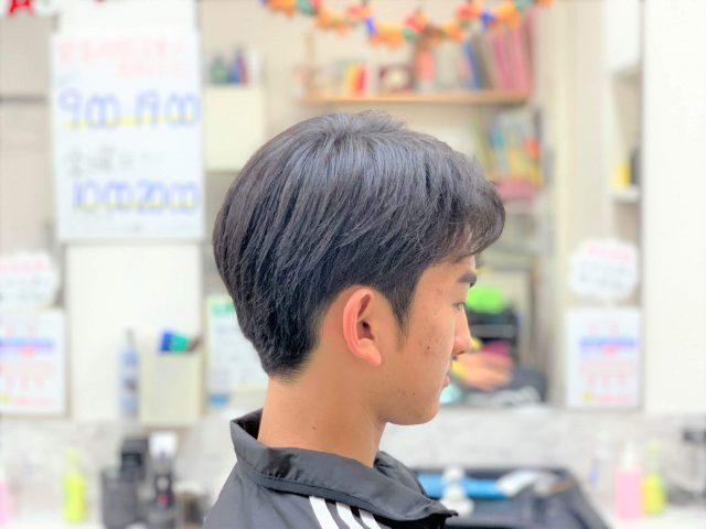 中学生男子のヘアスタイルの画像