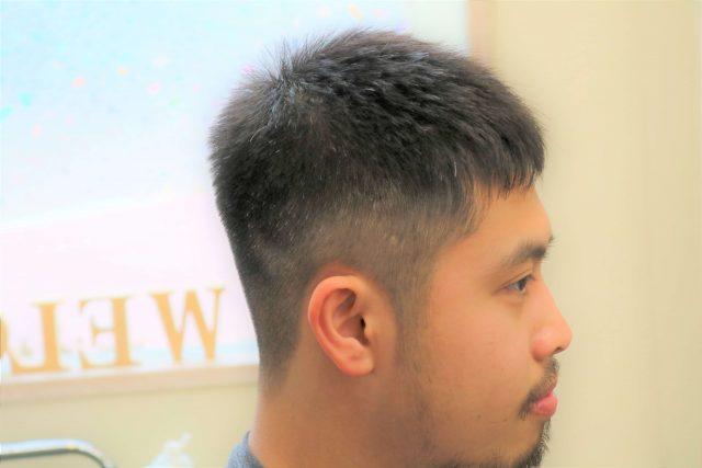 20代男子大学生のヘアスタイル画像