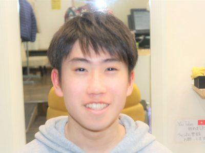 大学生男子の髪型の画像
