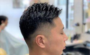 男性の髪型の画像